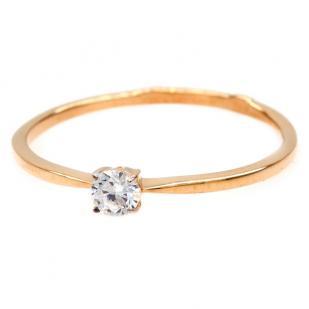Золотое кольцо с одним камушком фото