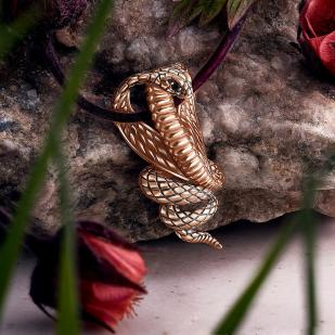 Золотая подвеска Кобра фото