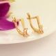 Золотые серьги на английском замке с жемчугом