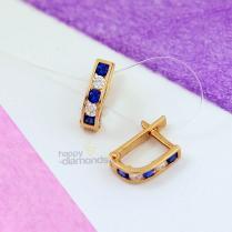 Золотые серьги дорожки с бело - синими фианитами