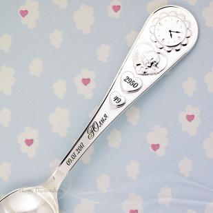 Ложечка серебряная Часы ангелочек с гравировкой фото